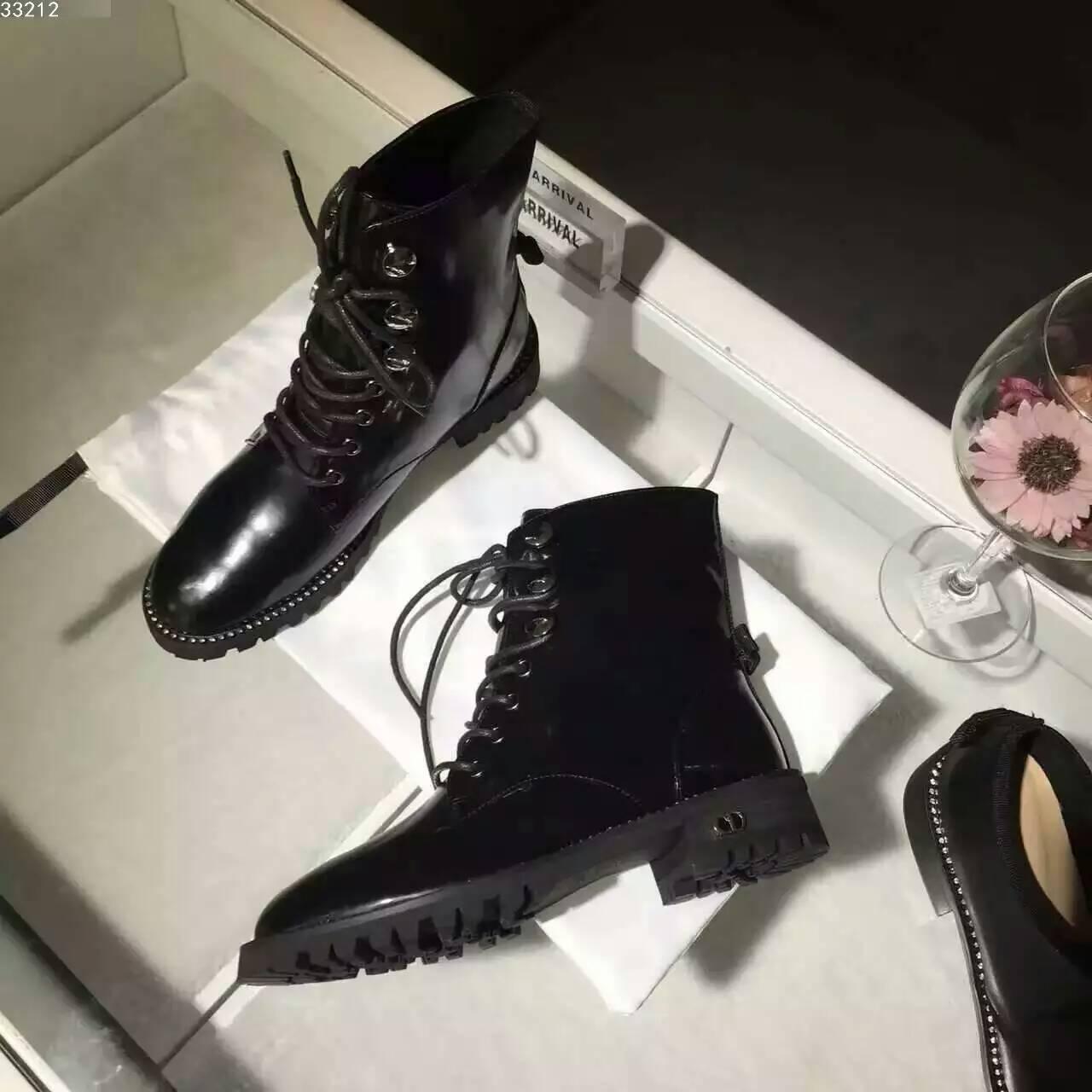 Dior马丁靴