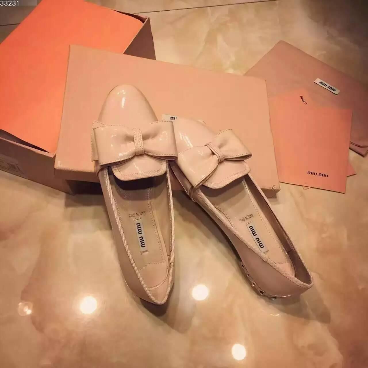 Miu Miu平跟单鞋