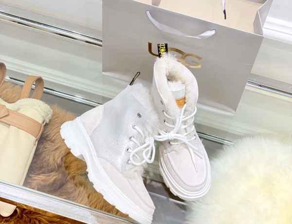Ugg今冬必爆款 超乎你想象的轻便,老爹鞋外形秒杀一切臃肿老棉鞋